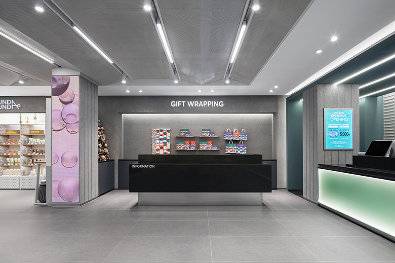 01. OliveYoung Myeong Dong Flagship Store  (19).jpg